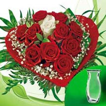 Rose Bouquet vase: Valentines Day Gifts to Germany