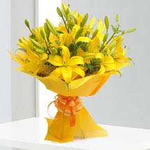 Asiatic Lilies: Wedding Gifts Hyderabad