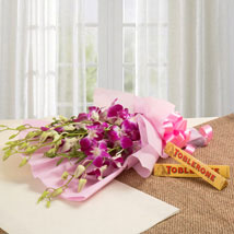 Brighten Their Day Combo: Womens Day Flowers & Chocolates