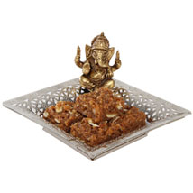 Doda Burfi and Ganesha Idol Combo: Send Sweets to Patna