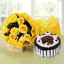 Perfect Combo To Gift: Roses to Noida