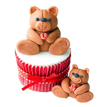 Teddy Love Cupcakes: Designer cakes for anniversary