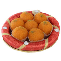 Tray Full Of Kesariya Motichoor Ladoo: Diwali Gifts